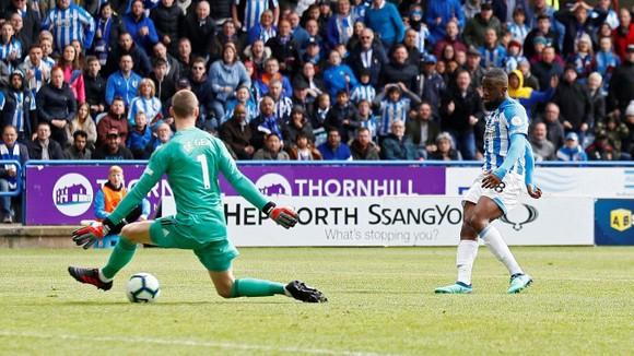 TRỰC TIẾP Huddersfield - Man United: Đêm diễn của Pogba ảnh 7
