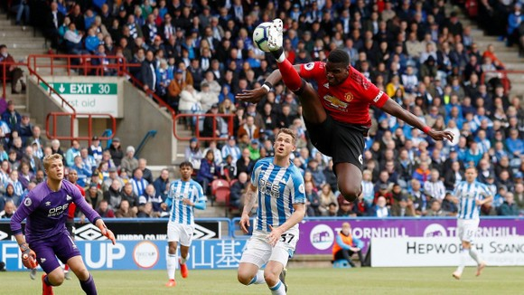 TRỰC TIẾP Huddersfield - Man United: Đêm diễn của Pogba ảnh 6