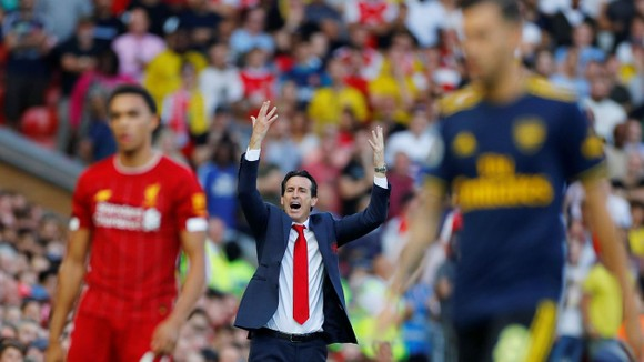 Trò chơi cân não: Vì sao Liverpool dễ dàng đè bẹp Arsenal? ảnh 1