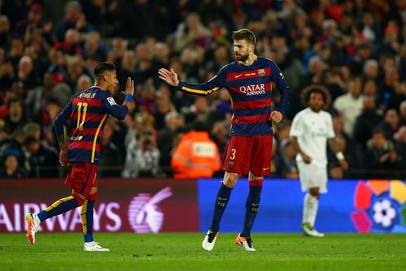 Đội hình Barca đề nghị giảm lương để CLB ký lại với Neymar ảnh 1