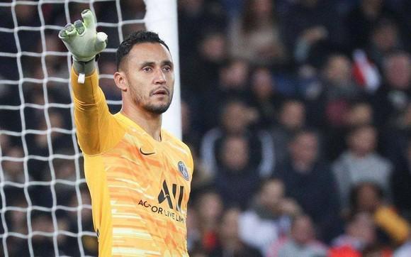 Keylor Navas chấm dứt tranh cãi thủ môn ở PSG