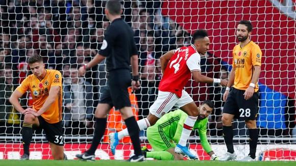 Arsenal - Wolves 1-1: Aubameyang tạo dấu ấn, Jimenez ghi tuyệt phẩm ảnh 3
