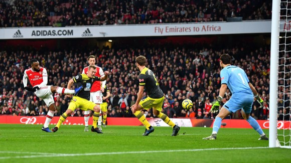 Arsenal - Southampton 2-2: Lacazette cứu nguy Pháo thủ phút 90+6 ảnh 3