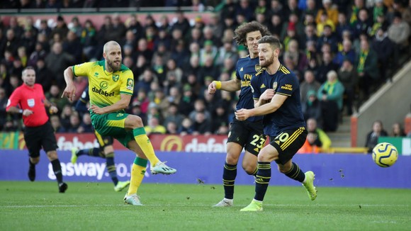 Norwich City - Arsenal 2-2: Aubameyang cứu nguy Pháo thủ  ảnh 3