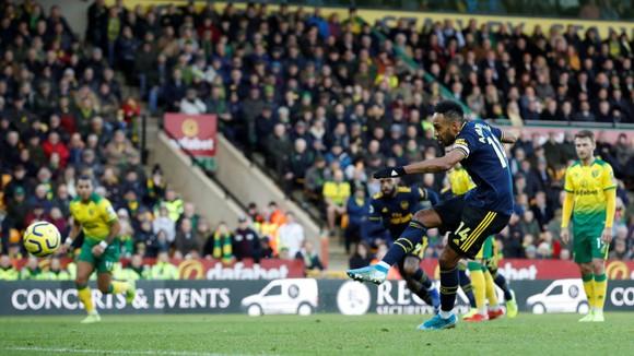 Norwich City - Arsenal 2-2: Aubameyang cứu nguy Pháo thủ  ảnh 4