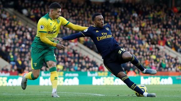 Norwich City - Arsenal 2-2: Aubameyang cứu nguy Pháo thủ