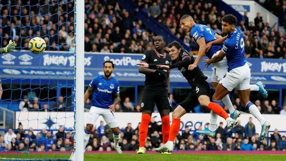 Everton - Chelsea 3-1: Calvert-Lewin nhấn chìm The Blues để đền ơn Ferguson ảnh 3