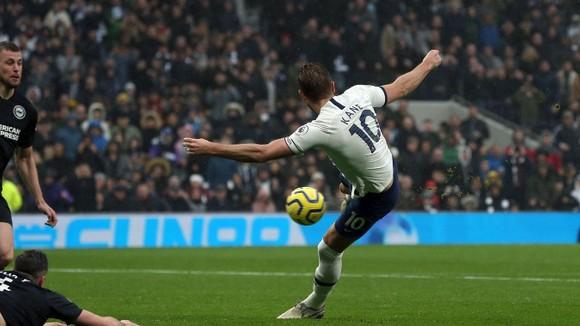 Tottenham - Brighton 2-1: Harry Kane và Dele Alli giúp Gà trống thắng ngược  ảnh 10