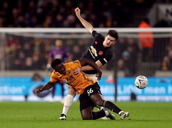 Man United vã mồ hôi khi Harry Maguire vắng mặt trận derby Manchester  ảnh 1