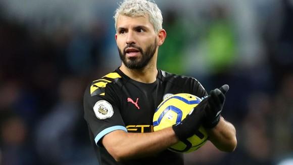Aston Villa - Man City 1-6: Hattrick giúp Kun Aguero lập kỷ lục ghi bàn