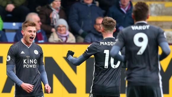 Burnley - Leicester City 2-1: Jamie Vardy sút hỏng phạt đền, Bầy cáo thua ngược ảnh 5
