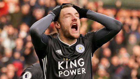 Burnley - Leicester City 2-1: Jamie Vardy sút hỏng phạt đền, Bầy cáo thua ngược ảnh 10
