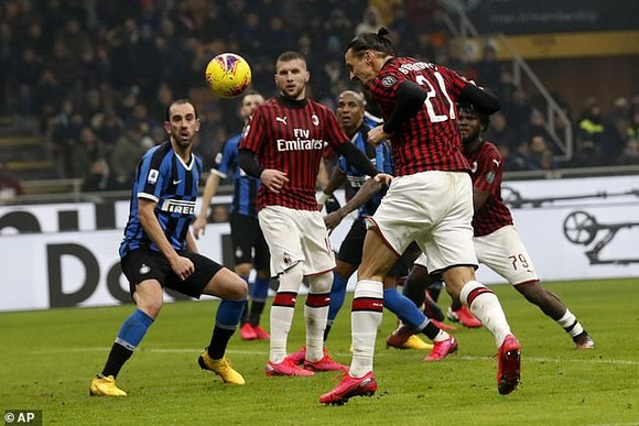 Ibrahimovic ghi bàn nhưng Inter vẫn thắng