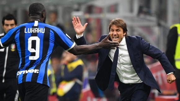 Lukaku tỏa sáng dưới tay Antonio Conte