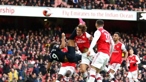 Arsenal - Everton 3-2: Aubameyang ghi cú đúp giúp Pháo thủ ngược dòng ảnh 3