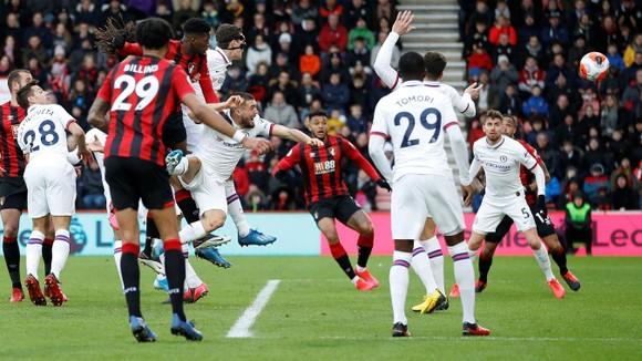 Bournemouth - Chelsea 2-2: Marcos Alonso ghi cú đúp giúp The Blues gỡ hòa ảnh 6