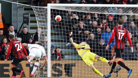 Bournemouth - Chelsea 2-2: Marcos Alonso ghi cú đúp giúp The Blues gỡ hòa ảnh 9