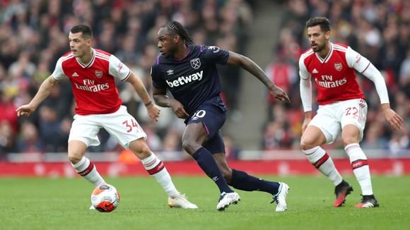 Arsenal - West Ham 1-0: Lacazette lập công đưa Pháo thủ lên thứ 9 ảnh 6