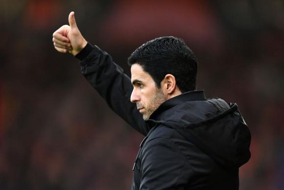 HLV Arsenal Mikel Arteta đã vượt qua bệnh cúm Covid-19