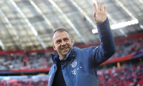 Hansi Flick ở lại Bayern Munich tới năm 2023