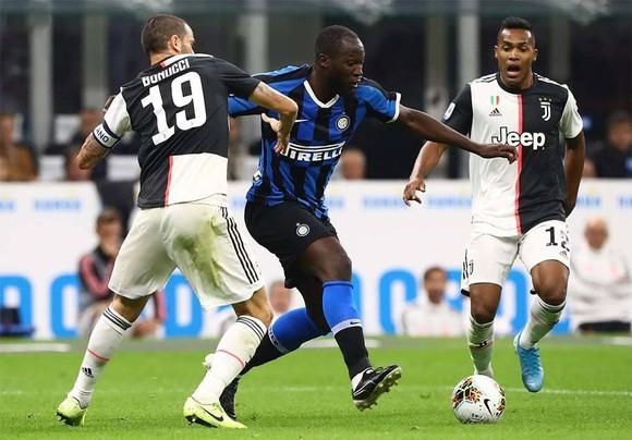8 đội không muốn Serie A tái khởi tranh