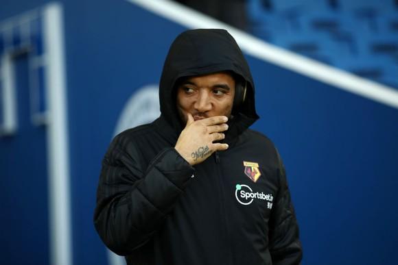 Troy Deeney từ chối trở lại tập luyện ở Watford để bảo vệ con trai