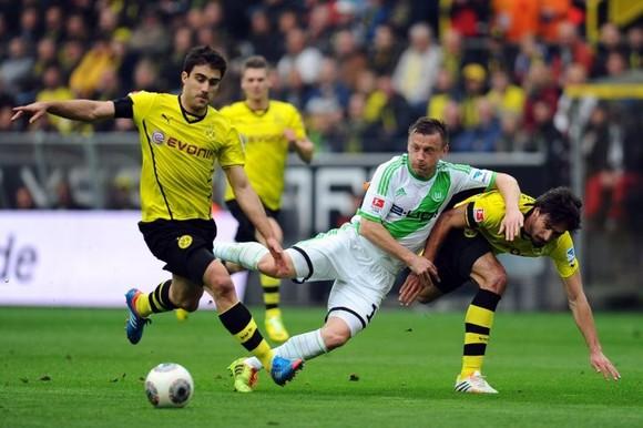 Dortmund đang chiếm ưu thế trong đối đầu Wolfsburg