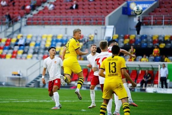 Eirling Haalnd ghi bàn quyết định phút 95