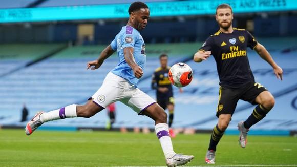 Man City nhấn chìm Arsenal trong ngày đen tối của David Luiz ảnh 1