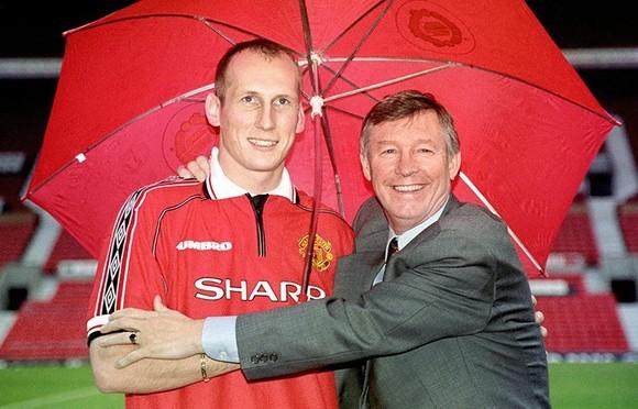 Jaap Stam và Sir Alex ở Man United