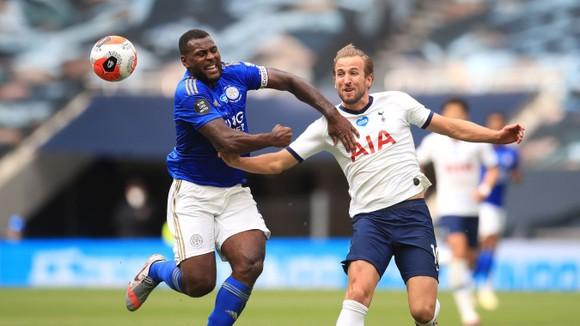Harry Kane tỏa sáng trong chiến thắng tưng bừng trước Leicester
