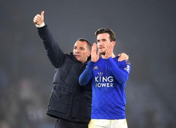 Chelsea sắp ký hợp đồng với 'Van Dijk mới' nhưng bế tắc trước Ben Chilwell ảnh 1