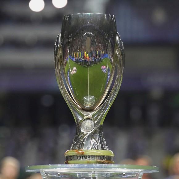 UEFA cho phép khán giả vào xem trận Siêu cúp châu Âu giữa Bayern và Sevilla ảnh 1