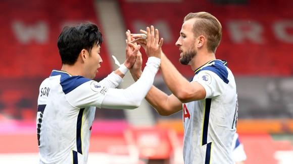 Son Hueng-min  và Harry Kane xuyên thủng mành lưới Southampton đến 5 lần