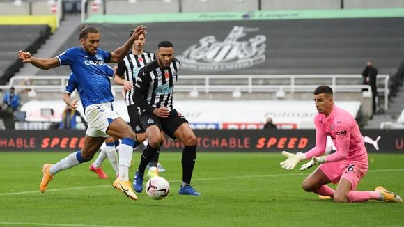 Thua Newcastle, Everton mất ngôi đầu bảng ảnh 3