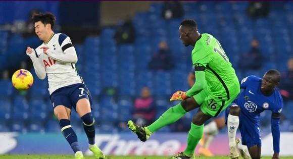 Hòa Chelsea, Tottenham chiếm lại ngôi đầu bảng ảnh 5