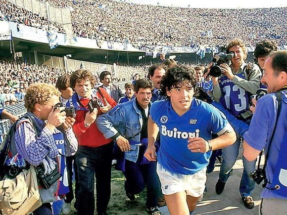 Huyền thoại Diego Maradona và những tháng năm lẫy lừng ở thành Naples