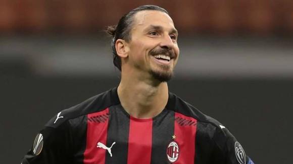 Zlatan Ibrahimovic đang dẫn đầu danh sách ghi bàn Serie A