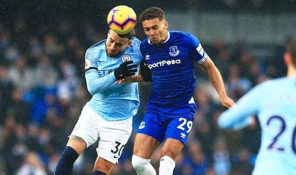 Everton sẽ gặp thách thức lớn từ Man City