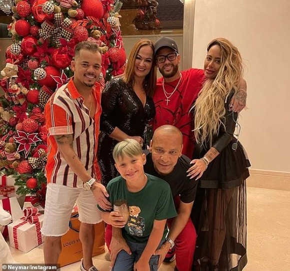 PSG lo lắng chuyện Neymar mở tiệc suốt 5 ngày chào đón năm mới ảnh 1