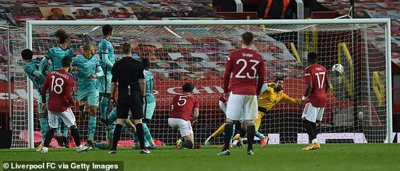 Bruno Fernandez tiết lộ học Mata kỹ thuật sút phạt để đánh bại Liverpool ảnh 1