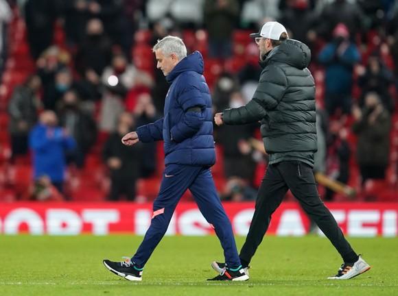 Vì sao Mourinho không kết bạn với Jurgen Klopp ảnh 1
