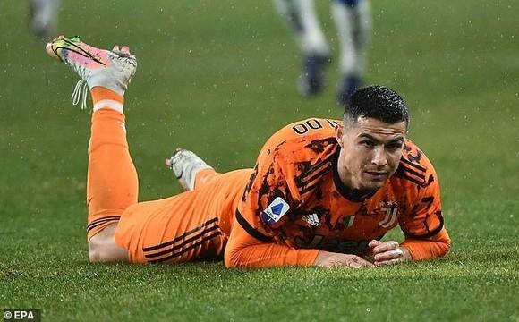Ronaldo không có bàn thắng nhưng góp công trong 2 bàn thắng