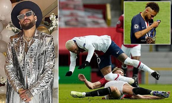 Cuộc sống của Neymar gắn liện với tiệc tùng, cách giúp anh tập trung hơn vào bóng đá