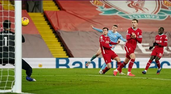 Phil Foden tỏa sáng giúp Manchester City nhấn chìm pháo đài Anfield ảnh 5