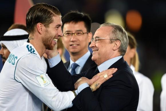 Real Madrid đang 'đánh mất' Sergio Ramos khi cuộc thương thảo triển hạn lâm vào bế tắc ảnh 1