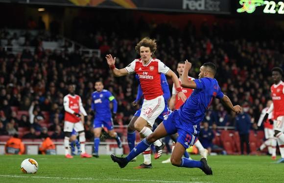 Arsenal bất ngờ thua Olympiacos trên sân nhà mùa trước