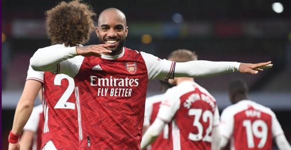 Siêu phẩm của Lamela không cứu nổi Tottenham trong trận derby London ảnh 5
