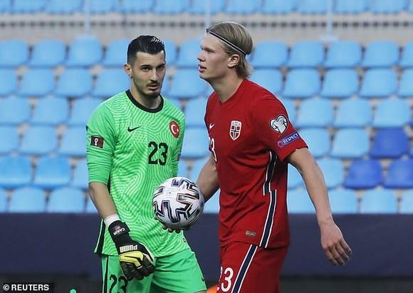 Erling Haaland tịt ngòi trong trận Na Uy thua Thổ Nhĩ Kỳ