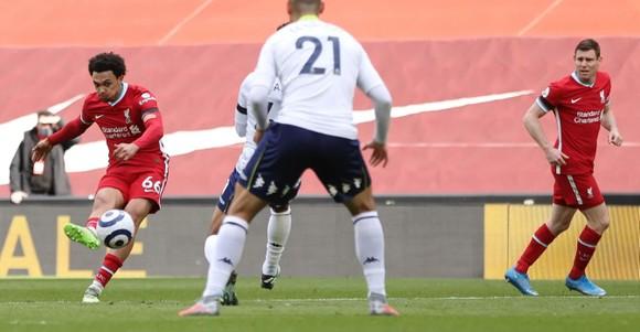 Salah và Trent tỏa sáng giúp Liverpool thắng ngược dòng Aston Villa ảnh 5